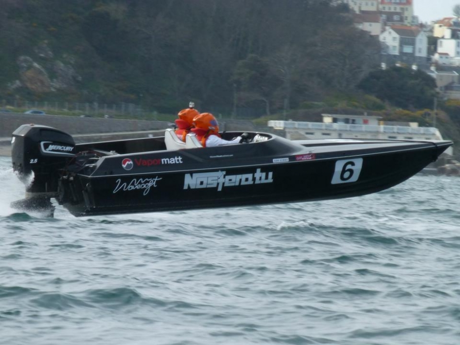 Vapormatt sponsor Nosferatu, C Class rated powerboat, Havelet Bay, Guernsey
